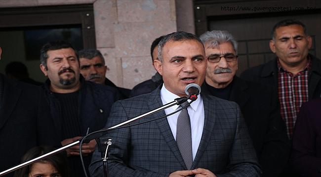Ahmed-i Hani Kütüphanesi Açıldı