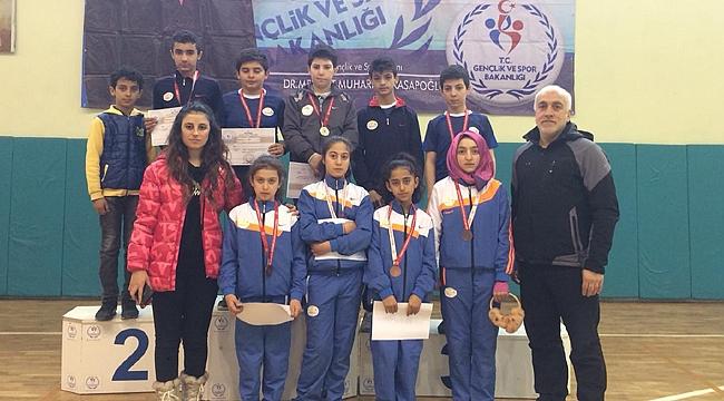 Badminton Analig Müsabakaları Iğdır'da Yapıldı