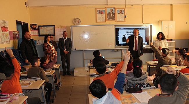 Milli Eğitim Müdüründen Hüsnü M. Özyeğin İlkokuluna Ziyaret