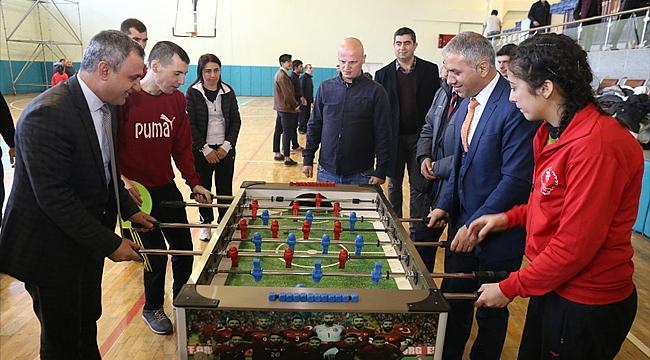Basketbol Takımlarına Iğdır Belediyesi Tarafından Malzeme Yardımı