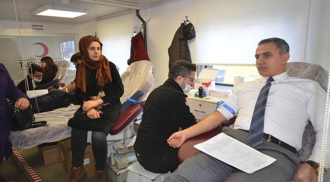 Iğdır Belediyesinden İlik Nakli Olmayı Bekleyenler İçin Kan Bağışı