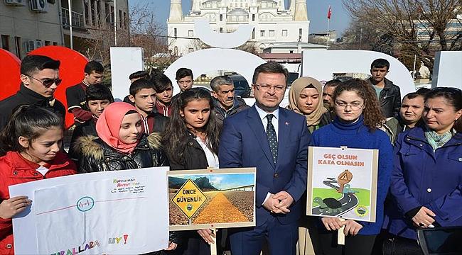 Iğdır'da Trafik Farkındalık Yürüyüşü Düzenlendi