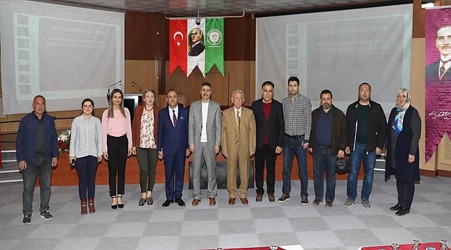 """Iğdır Üniversitesinde """"İstiklal Marşı'nın Kabul Edilişinin 98. Yıl Dönümü"""" Konulu Konferans"""