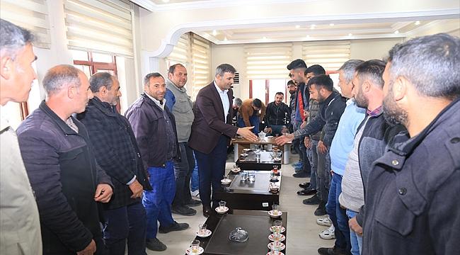 Başkan Akkuş Seyyar Satıcılarla Belediyede Toplantı Yaptı