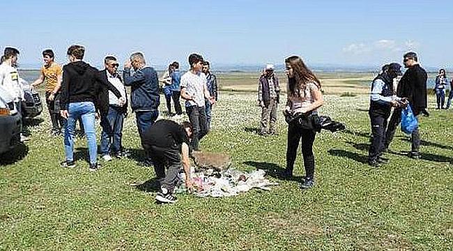 Gönüllüler Ağrı Dağı Milli Parkı'nı Temizledi