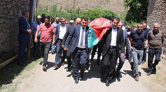 Milletvekili Karadağ Elçibey'in Eşinin Cenazesine Katıldı