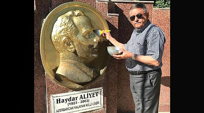 Zabıta Müdürü Bagane Her Ay Haydar Aliyev'in Büstünü Boyuyor