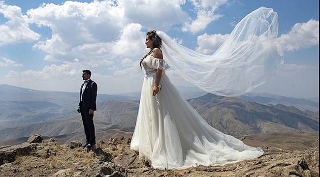 Dağ Zirvesinde Nikah Töreni