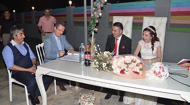 Vali Ünlü, Genç Çiftin Nikah Törenine Katıldı