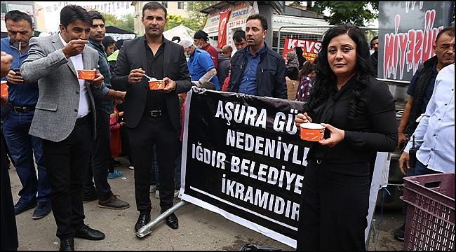 Iğdır Belediyesi Aşura Günü Nedeniyle Vatandaşa Çorba İkram Etti