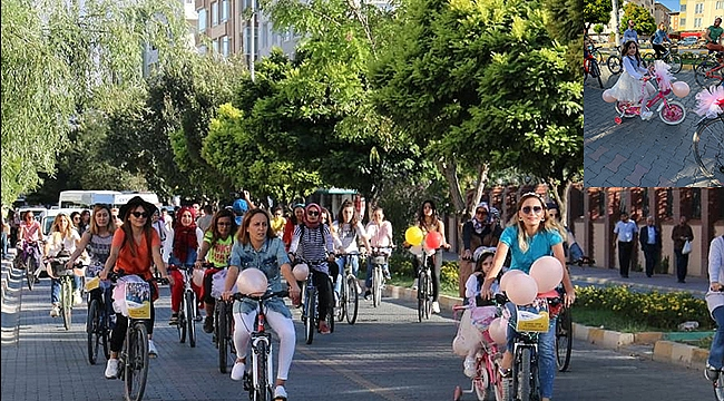 Iğdır'da Süslü Kadınlar Bisiklet Turu Düzenlendi