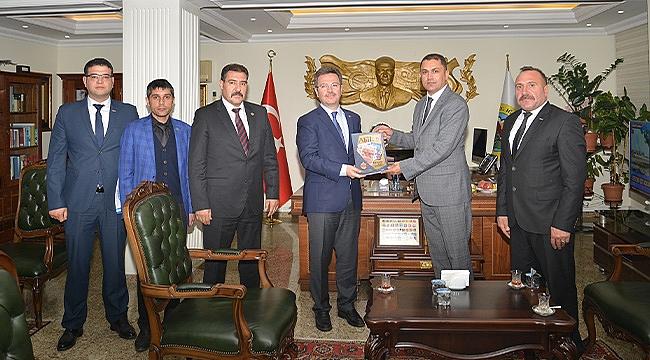 TÜRKAV Başkanı Parlar'dan Vali Ünlü'ye Ziyaret