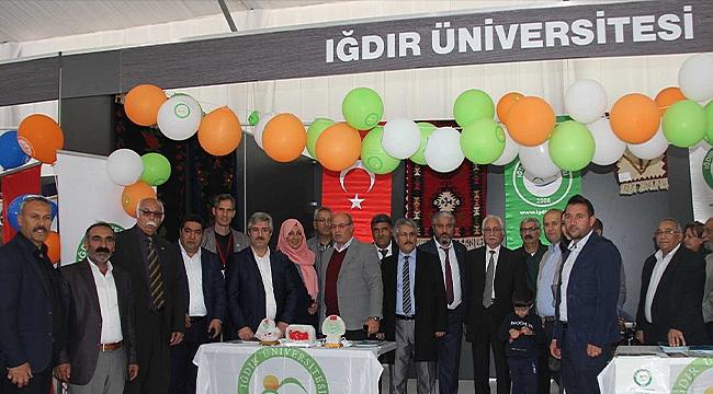 """Iğdır Üniversitesi """"Kars, Ardahan, Iğdır Tanıtım Günleri""""nde Stant Açtı"""