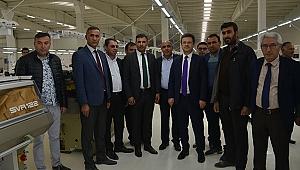 Vali Ünlü Tekstil-Triko Fabrikasını Gezdi