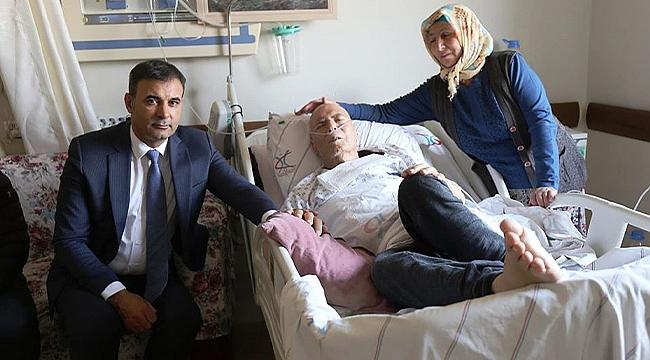Başkan Akkuş Hastanedeki Hastaları Ziyaret Etti