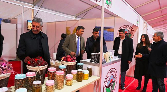 Başkan Akkuş İstanbul'da Iğdır Tanıtım Çadırında