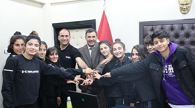 Başkan Yaşar Akkuş Başarılı Sporcuları Ağırladı