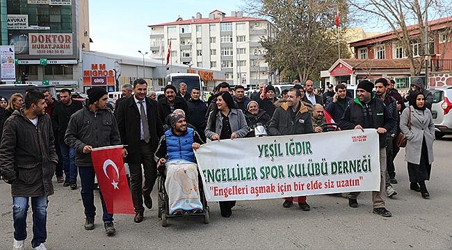 Engelliler Günü Dolayısıyla Şehir Merkezinde Farkındalık Yürüyüşü Gerçekleştirildi