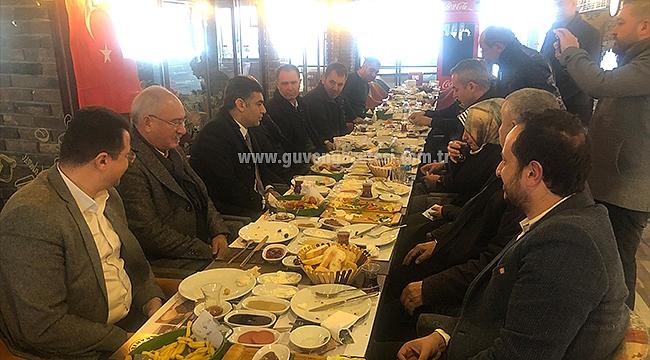 AK Parti İl Başkanı Ayaz Basınla Kahvaltıda Buluştu