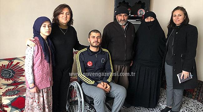 Sema Ünlü Bedensel Engelli Ömer Üğdül ve Ailesini Ziyaret Etti