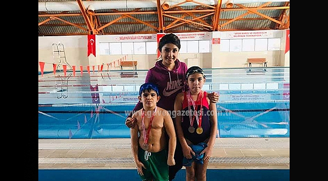 Yüzmede Hazar Koleji Öğrencisi Birinci Oldu