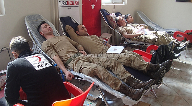 Jandarma Personelinden Kan Bağışı