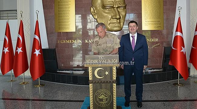 Erzurum Jandarma Bölge Komutanından Vali Sarıibrahim'e Ziyaret