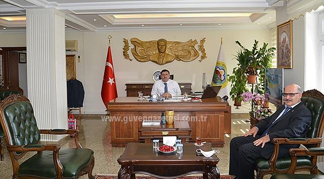 Gazetemiz Sahibi İsmail Aras'dan Vali Sarıibrahim'e Hayırlı Olsun Ziyareti
