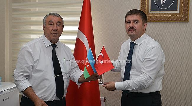 Iğdır Azerbaycan Derneğinden Vali Sarıibrahim'e Ziyaret