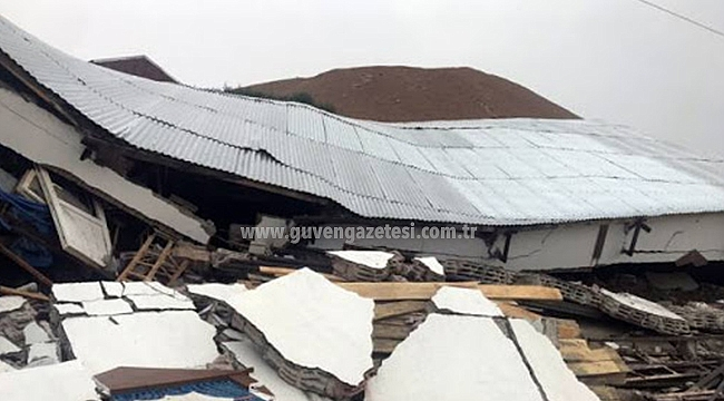 Tuzluca'da Sağanak Yağış ve Fırtına Hasara Neden Oldu