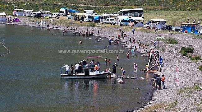 Şehrin Gürültüsünden Uzaklaşmak İsteyenlerin Gözde Mekanı: Balık Gölü