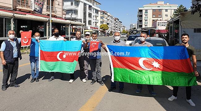 Iğdır'da Azerbaycan Bayraklarıyla Ermenistan'a Kınama
