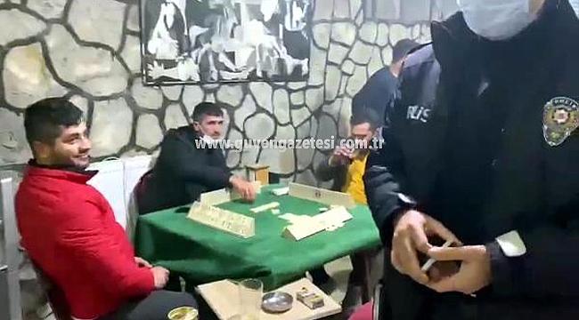 Iğdır'da Kafede Okey Oynayıp, Nargile İçenlere 14 Bin 850 Lira Ceza