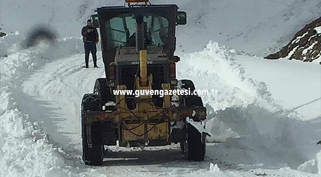 Tuzluca'da Kapalı Köy Yollarının Çoğu Açıldı