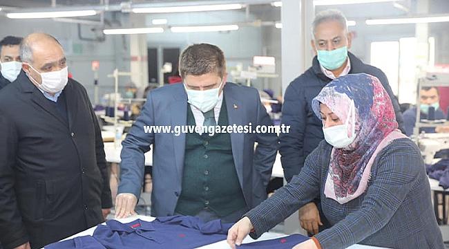 Vali Sarıibrahim Gürşan Tekstil'i Ziyaret Etti