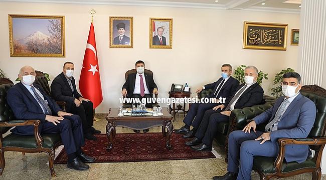 AK Parti Genel Başkan Yardımcısı Mahir Ünal Iğdır Valiliğini Ziyaret Etti
