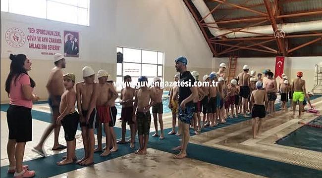 Iğdır'da Yüzme Bilmeyenin Kalmaması Hedefleniyor