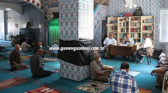 Iğdır'da 13 Şehit Polis için Hacı Hacer Yusuf Camisinde Kuran-ı Kerim Okutuldu